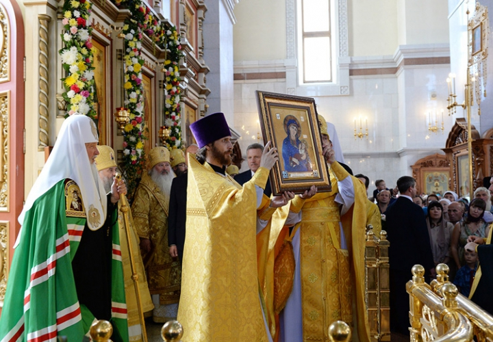 The image of the Mother of God of stone presented his Holiness Patriarch